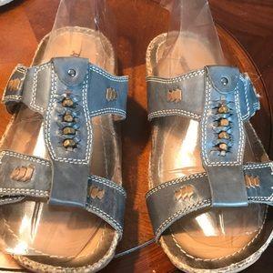 Earth shoe slip on Sandal Blue Tan Size 7